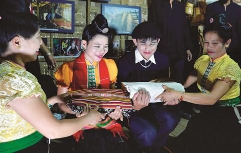 Immersion dans la culture du Nord-Ouest a Hanoi hinh anh 1
