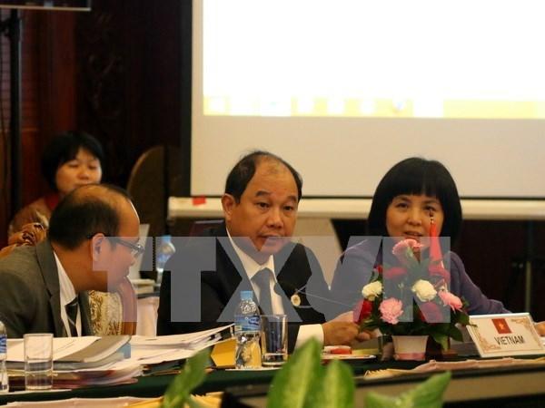 Consultations entre ministres de l'Economie de l'ASEAN et de la Russie hinh anh 1