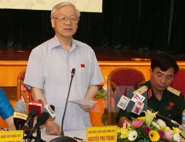 Le leader du PCV Nguyen Phu Trong a l'ecoute des electeurs de Hanoi hinh anh 1