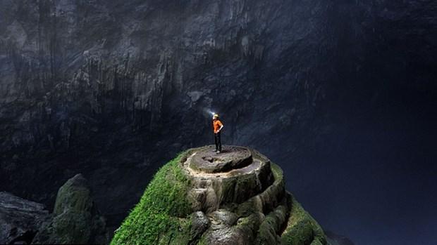 Cinq cents touristes conquierent avec succes la grotte Son Doong hinh anh 2