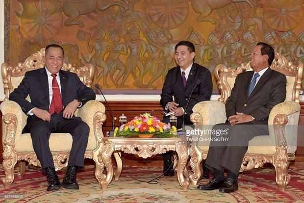 Le Cambodge et l'Indonesie renforcent leur cooperation dans la defense hinh anh 1