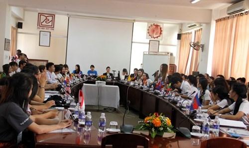 Ouverture de la conference des etudiants de l'ASEAN 2016 hinh anh 1