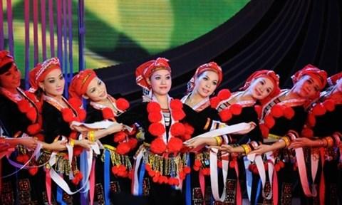 Ouverture des cours de chants folkloriques de l'ethnie Dao hinh anh 1