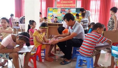 Des cours de peinture gratuits au village de Co Do hinh anh 1