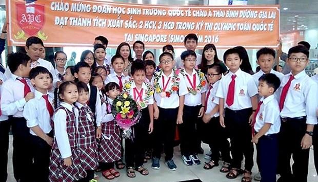 Mathematiques : les eleves vietnamiens primes lors des SIMOC 2016 hinh anh 1