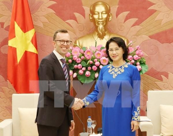 Nguyen Thi Kim Ngan recoit les ambassadeurs neo-zelandais et philippin hinh anh 1