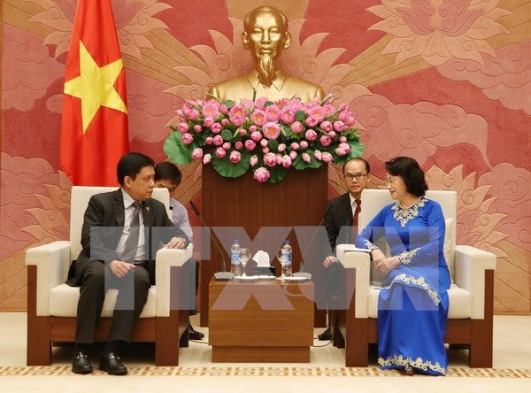 Nguyen Thi Kim Ngan recoit les ambassadeurs neo-zelandais et philippin hinh anh 2
