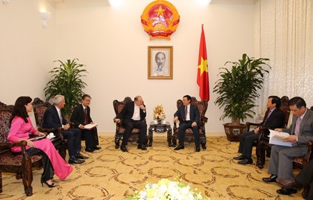 Le PDG du groupe AIA recu par le vice-Premier ministre Vuong Dinh Hue hinh anh 1