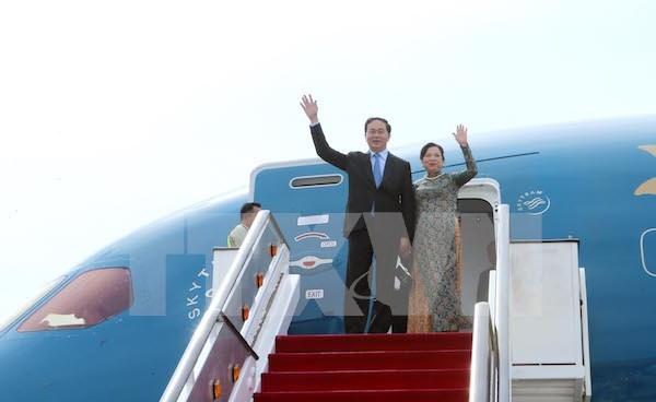 Le president Tran Dai Quang quitte Brunei pour Singapour hinh anh 1