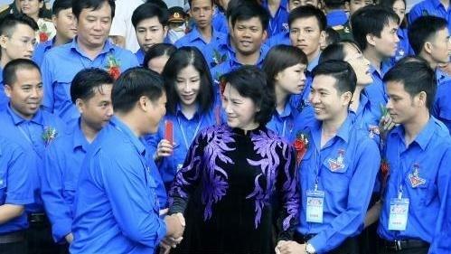 La Presidente de l'AN recoit 445 jeunes exemplaires du Vietnam hinh anh 1