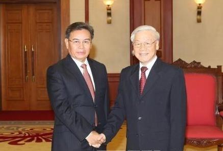 Le chef du PCV plaide pour une cooperation accrue entre le FPV et le FENL hinh anh 1