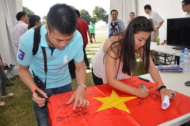 Une table ronde sur la Mer Orientale destine aux jeunes vietnamiens en Europe hinh anh 1