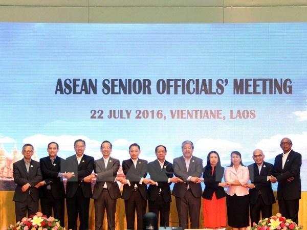 Reunion de hauts officiels (SOM) de l'ASEAN au Laos hinh anh 1