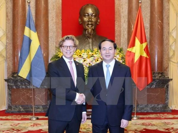 Tran Dai Quang recoit de nouveaux ambassadeurs hinh anh 3