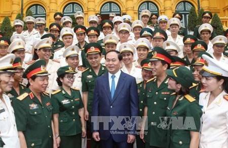 Suivre l'exemple moral du President Ho Chi Minh : il faut multiplier les figures exemplaires hinh anh 1