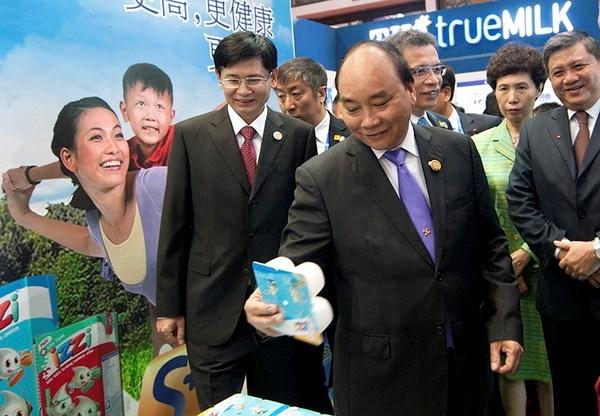 Le Premier ministre Nguyen Xuan Phuc a l'ouverture de la CAEXPO et du CABIS hinh anh 1