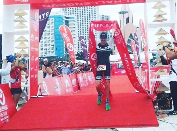 Plus de 200 partants au triathlon Challenge Vietnam 2016 hinh anh 1
