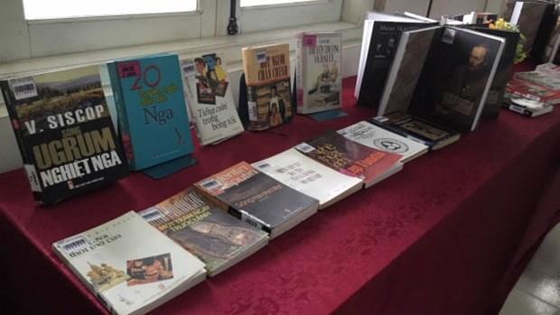 Un coin de litterature russe a la Bibliotheque de Hanoi hinh anh 1