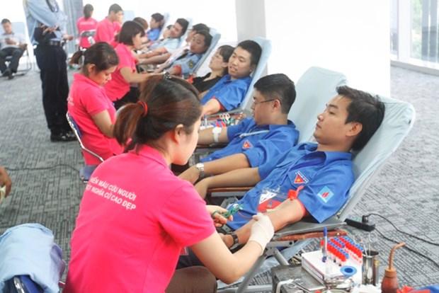 Le Vietnam assiste le Laos dans les activites de la Croix-Rouge hinh anh 1