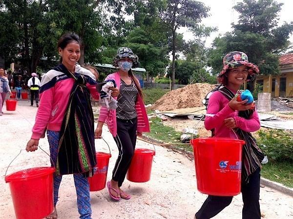Remise de produits d'hygiene a des femmes pauvres de Kon Tum hinh anh 1