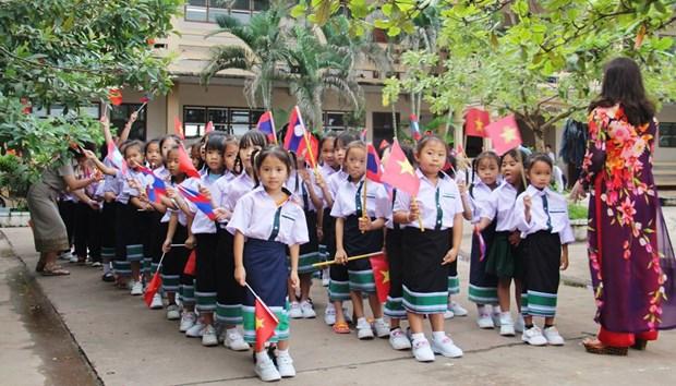 C'est aussi la rentree a l'ecole bilingue vietnamien-laotien Nguyen Du hinh anh 1