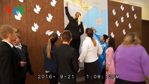 Activite « Pigeons pour la paix au Vietnam » en Ukraine hinh anh 1