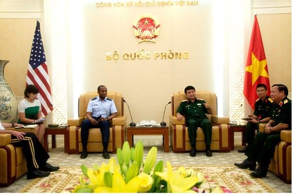 Vietnam - Etats-Unis : renforcement de la cooperation dans le transport militaire hinh anh 1