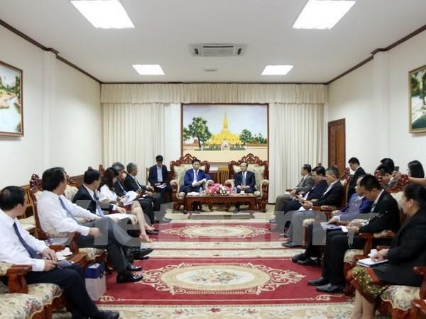 Le vice-Premier ministre laotien Duangdy Somdy salue la cooperation avec le Vietnam hinh anh 1
