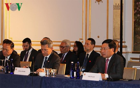Le vice-Premier ministre Pham Binh Minh aux conferences ASEAN - Etats-Unis, ASEAN-ONU hinh anh 1