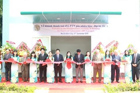Inauguration du «Laboratoire sur la pile a combustible» hinh anh 1