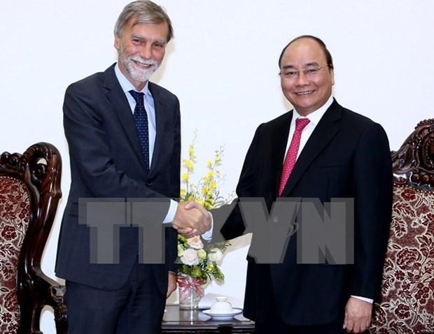 Le PM plaide pour une forte presence des entreprises italiennes dans les transports hinh anh 1