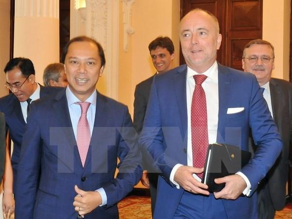 La Hongrie s'engage a ratifier rapidement l'Accord de libre-echange Vietnam-UE hinh anh 1