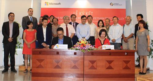 Microsoft Vietnam et Vietnam Silicon Valley signent un protocole hinh anh 1