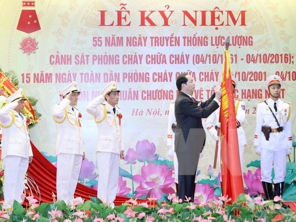 Le president incite a appliquer les technologies modernes dans la prevention d'incendie hinh anh 1