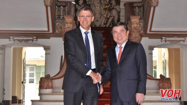 Les entreprises francaises souhaitent investir dans les infrastructures urbaines de HCM-Ville hinh anh 1