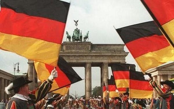 Celebration du 26e anniversaire de la reunification allemande hinh anh 1
