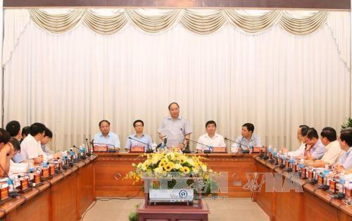 Le PM Nguyen XUan Phuc sur le front de la securite alimentaire hinh anh 1
