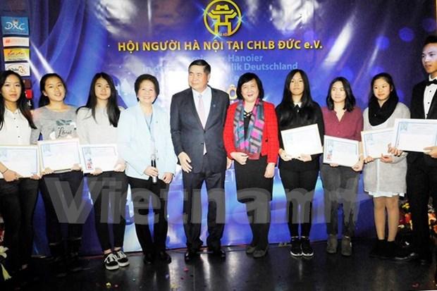 Celebration de la Journee de Liberation de Hanoi en Allemange hinh anh 1