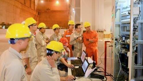 La centrale thermique de Duyen Hai 1 produit 15,3 milliards de kWh depuis janvier hinh anh 1