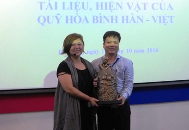 La R. de Coree remet des documents et objets sur la Resistance anti-americaine a Da Nang hinh anh 1