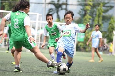 Ho Chi Minh-Ville developpe la pratique du football a l'ecole hinh anh 1