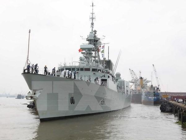 Un navire de la Marine royale canadienne en visite a Ho Chi Minh-Ville hinh anh 1