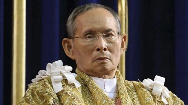 Hommage au roi Bhumibol Adulyadej a l'ambassade de Thailande a Hanoi hinh anh 1