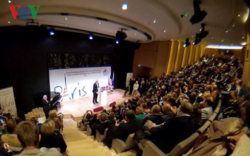 Le Vietnam au congres annuel de l'Association mondiale de la presse russe a Paris hinh anh 1