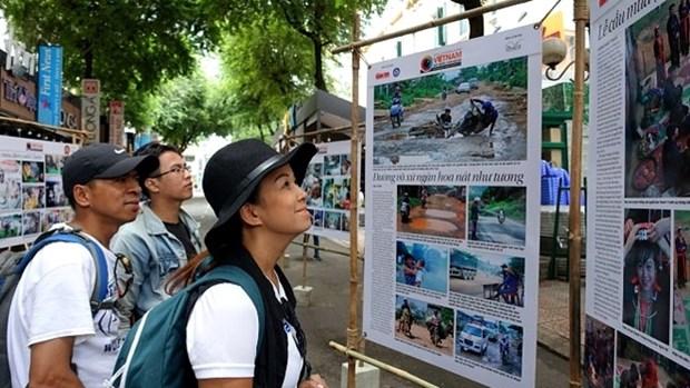 Exposition de photos : «Vietnam - Sa terre et son peuple» hinh anh 1