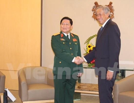 Vietnam-Singapour : Renforcement de la cooperation dans la defense hinh anh 2