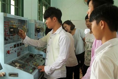 Lao Cai veut plus de coordination entre la formation professionnelle et l'enseignement scolaire hinh anh 1