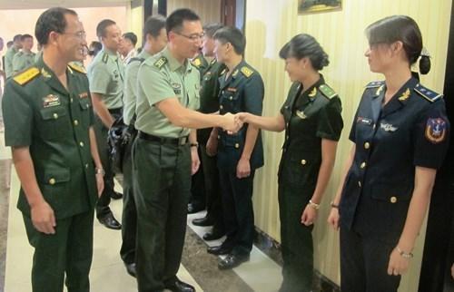 Vietnam-Chine : renforcement des echanges entre de jeunes officiers hinh anh 1