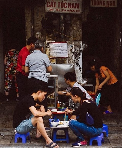 La cuisine de rue a Hanoi hinh anh 1