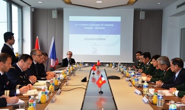 Vietnam et France visent une cooperation efficace dans la defense hinh anh 1